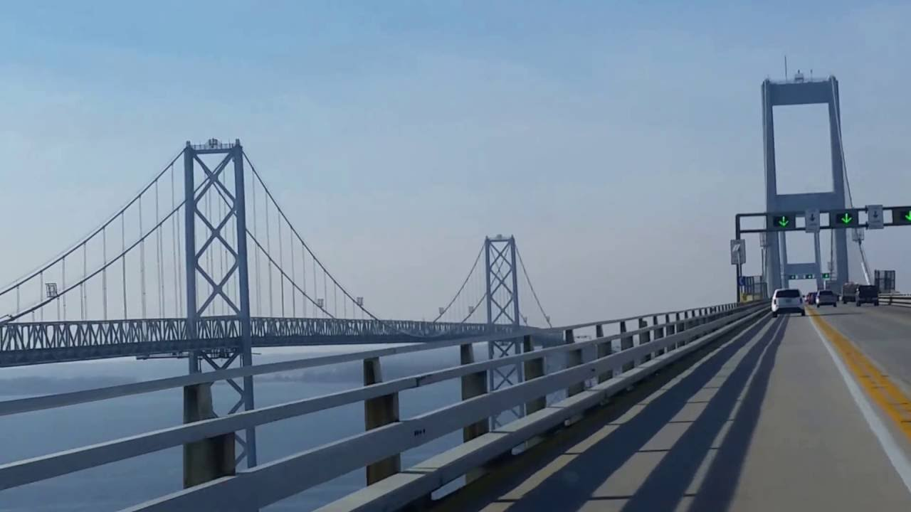 shot of Bridge, no traffic